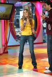 [Imagen: th_22560_Amanda_Bynes_-_2004_MTV71s_TRL_...1030lo.jpg]