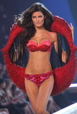 th_10540_fashiongallery_VSShow08_Show-476_122_1182lo.jpg