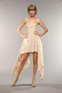 Taylor Swift- 2013 CMT Music Awards Photoshoot - 05.06.2013 x20MQ