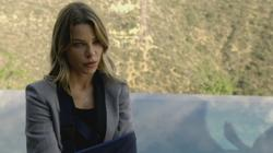 th_750939919_scnet_lucifer1x02_1441_122_