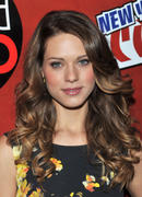 [update]Lyndsy Fonseca @ 2010 New York Comic Con - Day 3 10/10/10