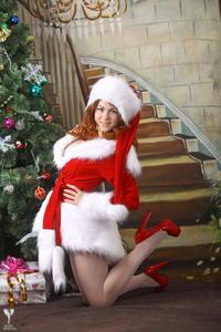 http://img20.imagevenue.com/loc502/th_531436516_silver_angels_Sandrinya_I_Christmas_1_071_123_502lo.jpg