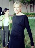Julie Bowen has lunch and photog gets a suprise in Hollywood 12/29/09 Foto 5 (Джули Боуэн обед и Photog получает сюрприз в Голливуде 12/29/09 Фото 5)