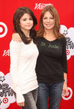 Selena Gomez &amp;amp; Marlo Thomas @ Variety's Power of Youth Event in Los Angeles 10/04/08- 12 HQ